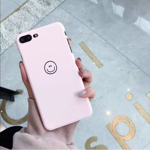 Accessories - ✨🆕matte hard back pink smiling phone case